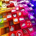 Small social media r seaux sociaux